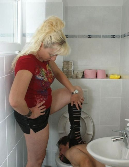Mature women on the toilet