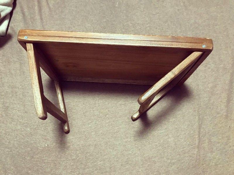 Diy 100均のまな板2枚で折りたたみテーブルを作る 折りたたみテーブル 折りたたみテーブル Diy 100均 Diy