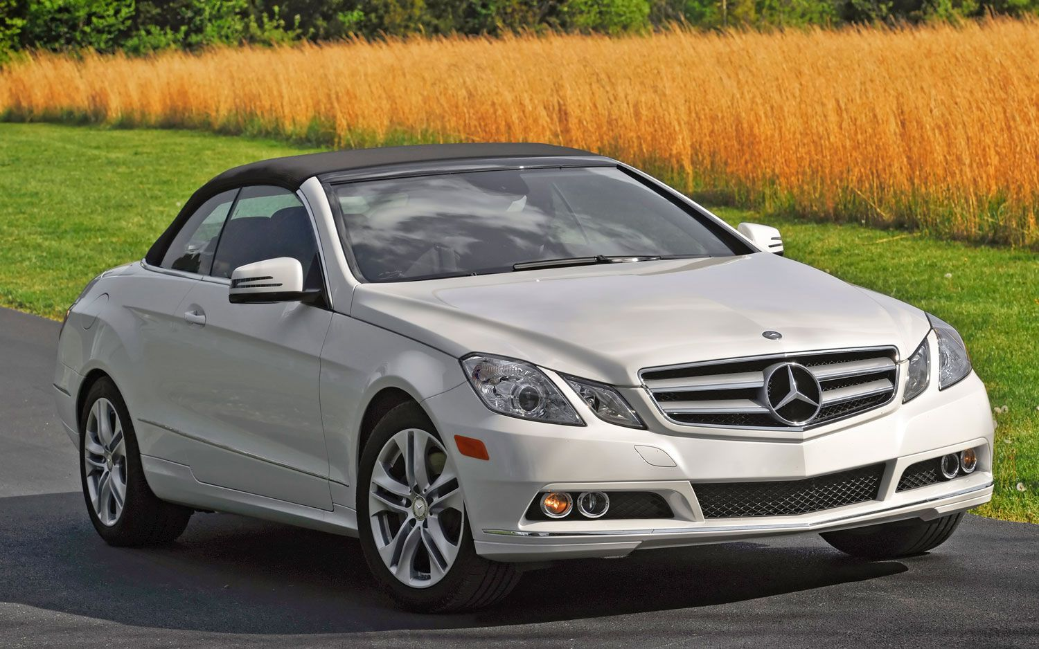 Brabus rocket 900 presents has modified resulting in the rocket 900 the s65 amg has been a standard 6 0 liter v12 under the hood but brabus has