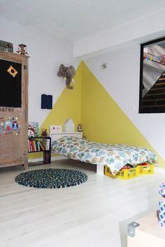 bei #camille #ameline, #nanelle, #child room #, #kid #room, #yellow, #peinture #murale, #jaune, #triangle #childroom