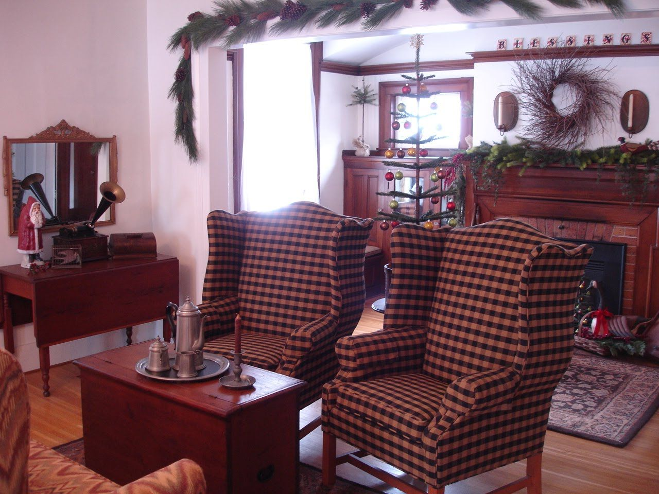 Pin By Joyce Reed On Primitive Living Rooms Pinterest