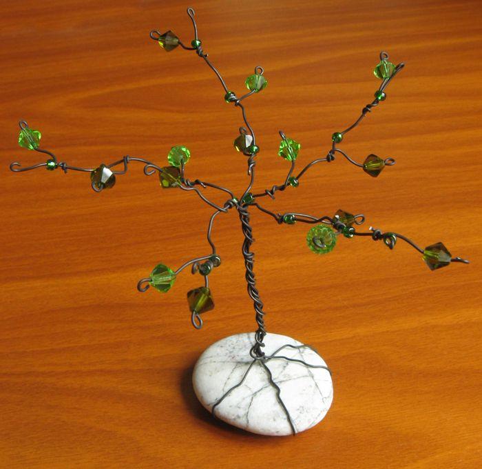 How to make a gem tree werken basteln baum und garten - Schmuckhalter basteln ...