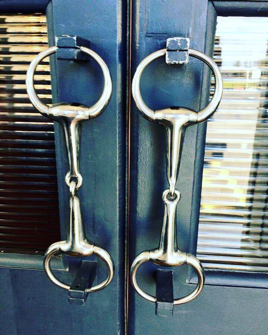 45 Stunning And Unique Door Handle Ideas For Your Stylish Homes Horse Barn Ideas Stables Horse Room Barn Decor