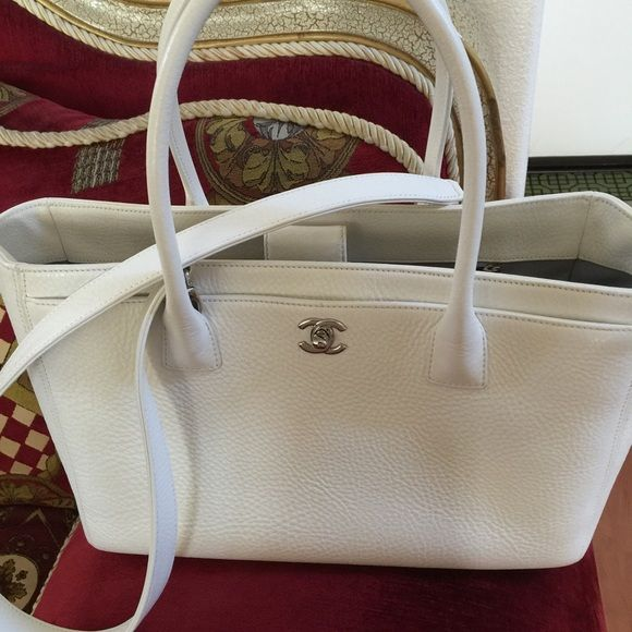 Chanel cerf executive tote large white | Large white, Bag and ...