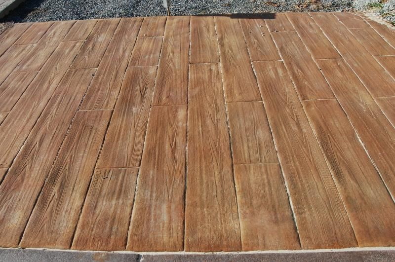 stamped concrete that looks like wood decking...Amazing