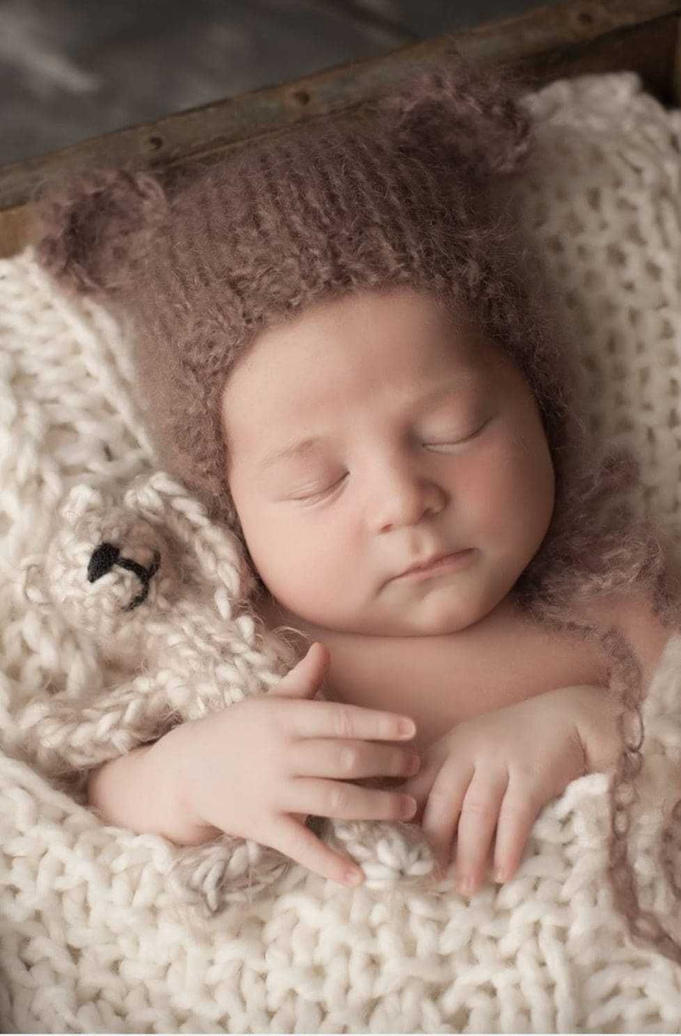 Bear with ears pattern free newborn knitting
