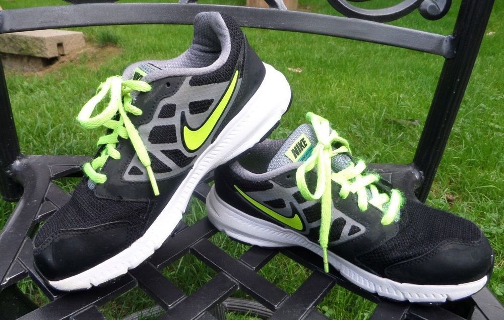 premium selection 7547c 4febb NIKE Downshifter 6 (GS PS) Kids Running Shoes 684979 012 Size 2Y VGC  Nike   Downshifter6Running