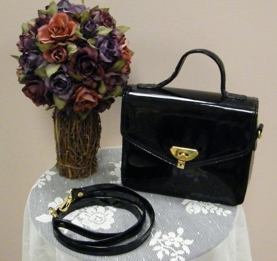 VTG 1960s MadMen Black Patent Leather Box Purse Removable Shoulder Strap with Locket Snap
