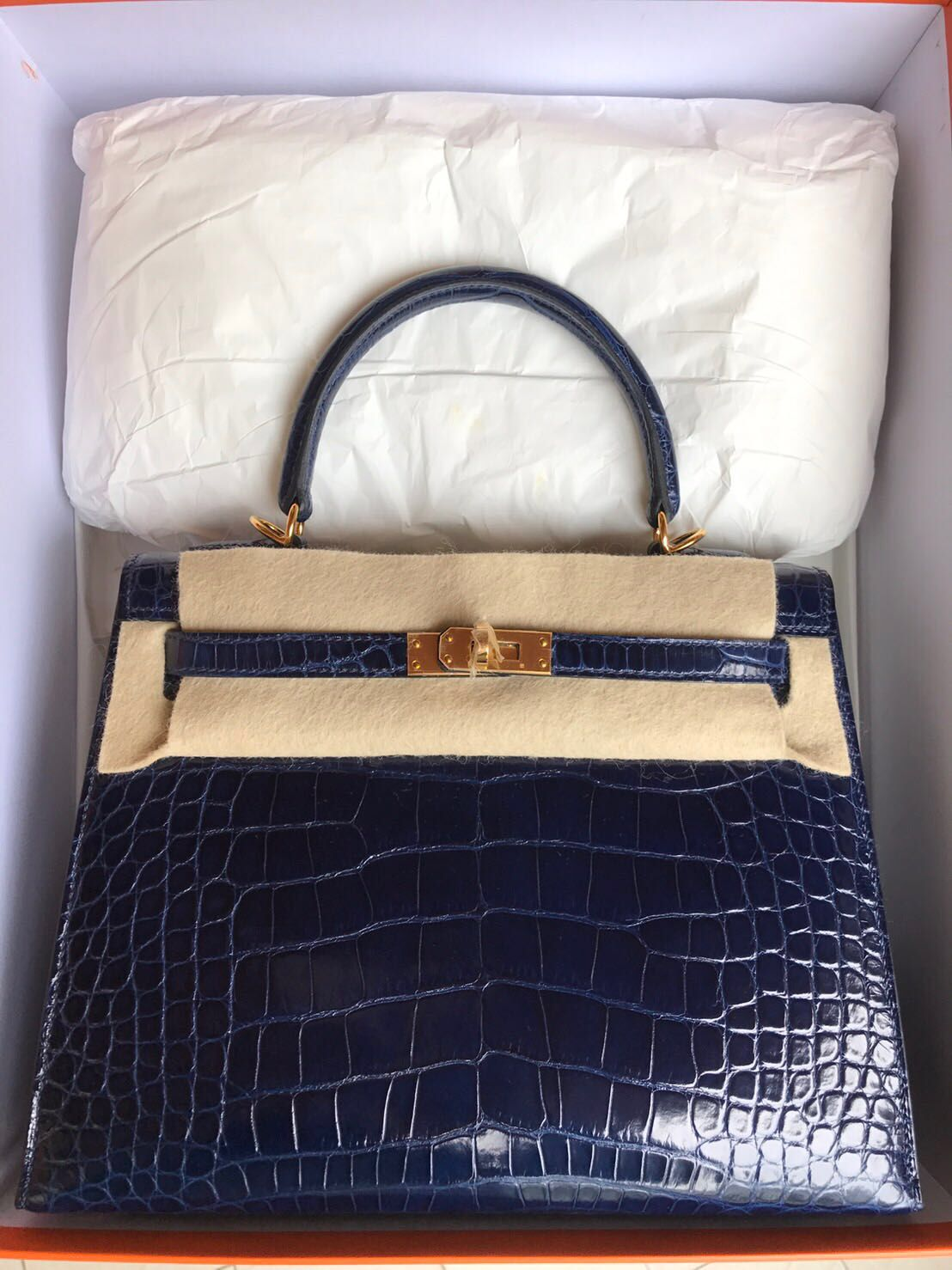 5895d71a050 Hermès Kelly 25 blue sapphire shiny alligator gold Hardware  bags  kelly   hermes  fashion  style  handbags