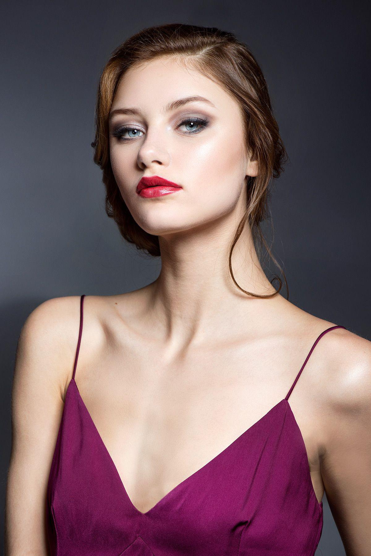 #nellybriet #photography #fashion #beauty #portrait #glamour #glamorous #redlips #violet