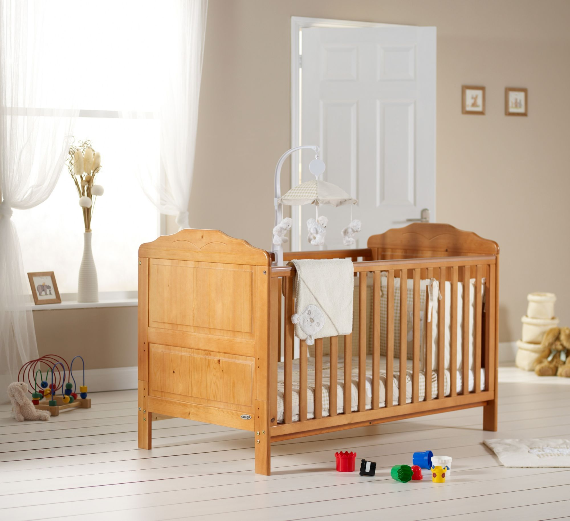 OBaby Beverley Cot Bed   Country Pine £139