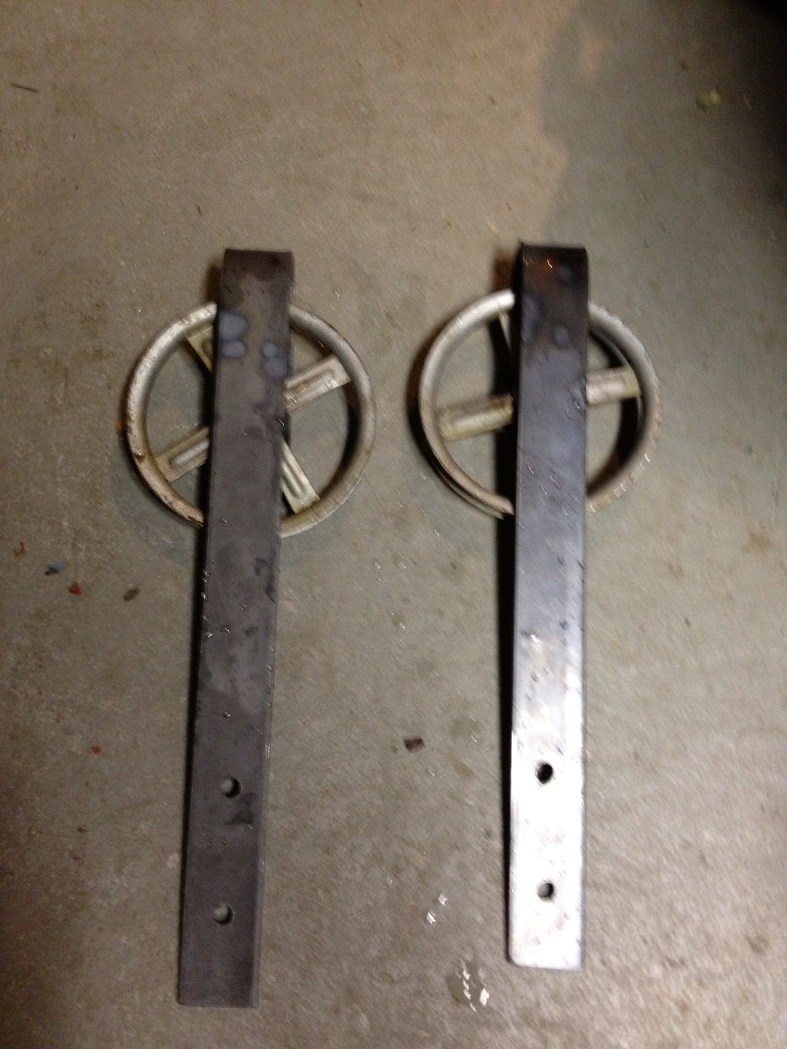 Recycled old clothes line pulleys for barn door sliders. Free yes please & Recycled old clothes line pulleys for barn door sliders. Free yes ... Pezcame.Com
