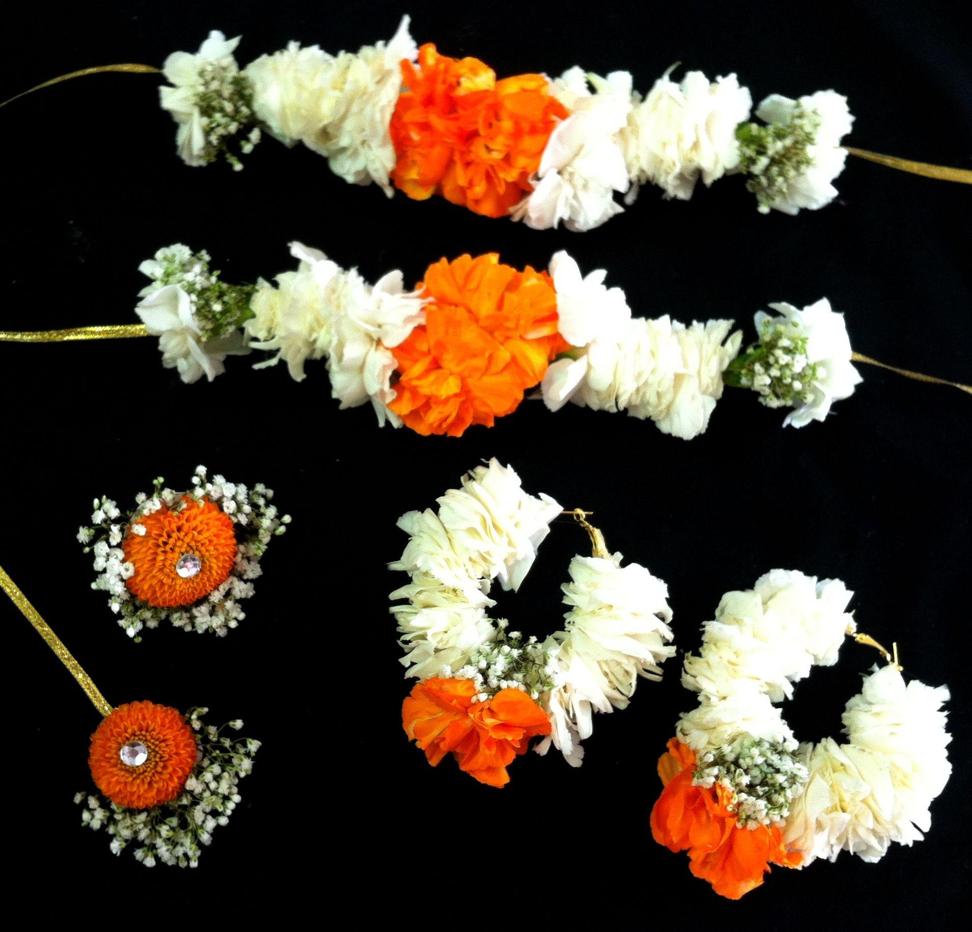 Mehndi flowers | Saris On My Mind | Pinterest | Mehndi, Night ...