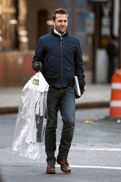 Gabriel Macht Photos: Gabriel Macht Runs Errands in NYC
