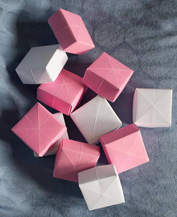 What Is An Appropriate Wedding Gift Amount: These Cute Origami Boxes Are Perfect For Wedding Favors