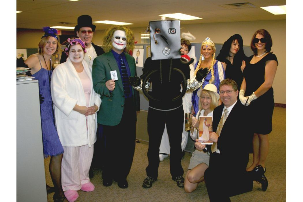 Office Party Costume Ideas from i.pinimg.com