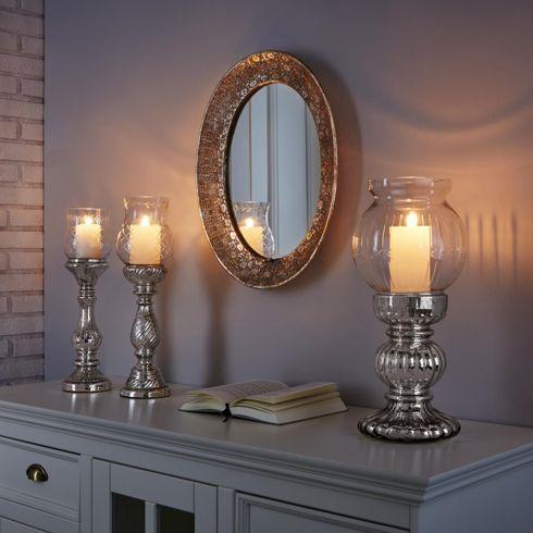 Eleganter Kerzenhalter in Silber - ein stilvoller Blickfang für Ihr Heim