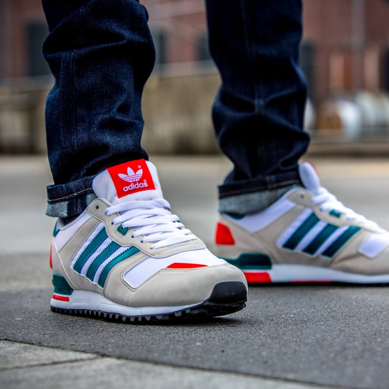 huge selection of 8d764 498f1 Corriendo · Jorge · adidas Originals ZX 700