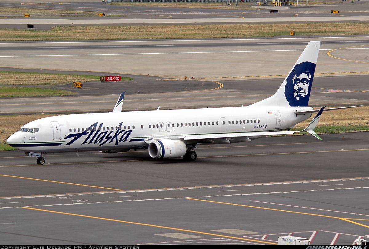 Boeing 737990/ER Alaska Airlines Aviation Photo