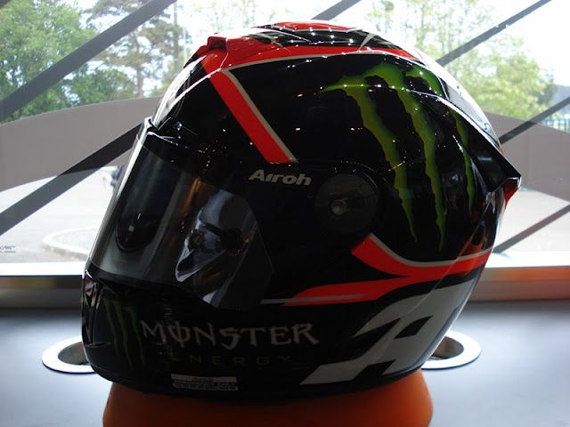 Racing Helmets Garage: Airoh GP500 A.Dovizioso 2012 by Bargy Design