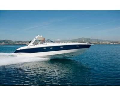 http://www.ebarche.it/index.php?554_Mano_marine_3850_YACHT Affare yacht 38,50 mano marine 2008 ,2 x 330 t.d. volvo p. piedi dpm dual prop,20 mila euro di luci cromoterapia,escluso accessori.. n.b.euro 50mila cash piu subentro leasing 100mila euro,barca molto bella superfull oppure 1 espositiva con 2x330td come da foto 200 mila euro. Lunghezza F.T. 12.00 m Lunghezza scafo 11.00 m Larghezza scafo 3.94 m Larghezza max 4.10 m Altezza cabina 0.00 m Altezza sopra la linea di galleggiamento.....