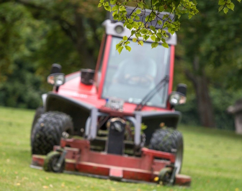 Leaf Removal Springfield MO Landscape services, Mowing