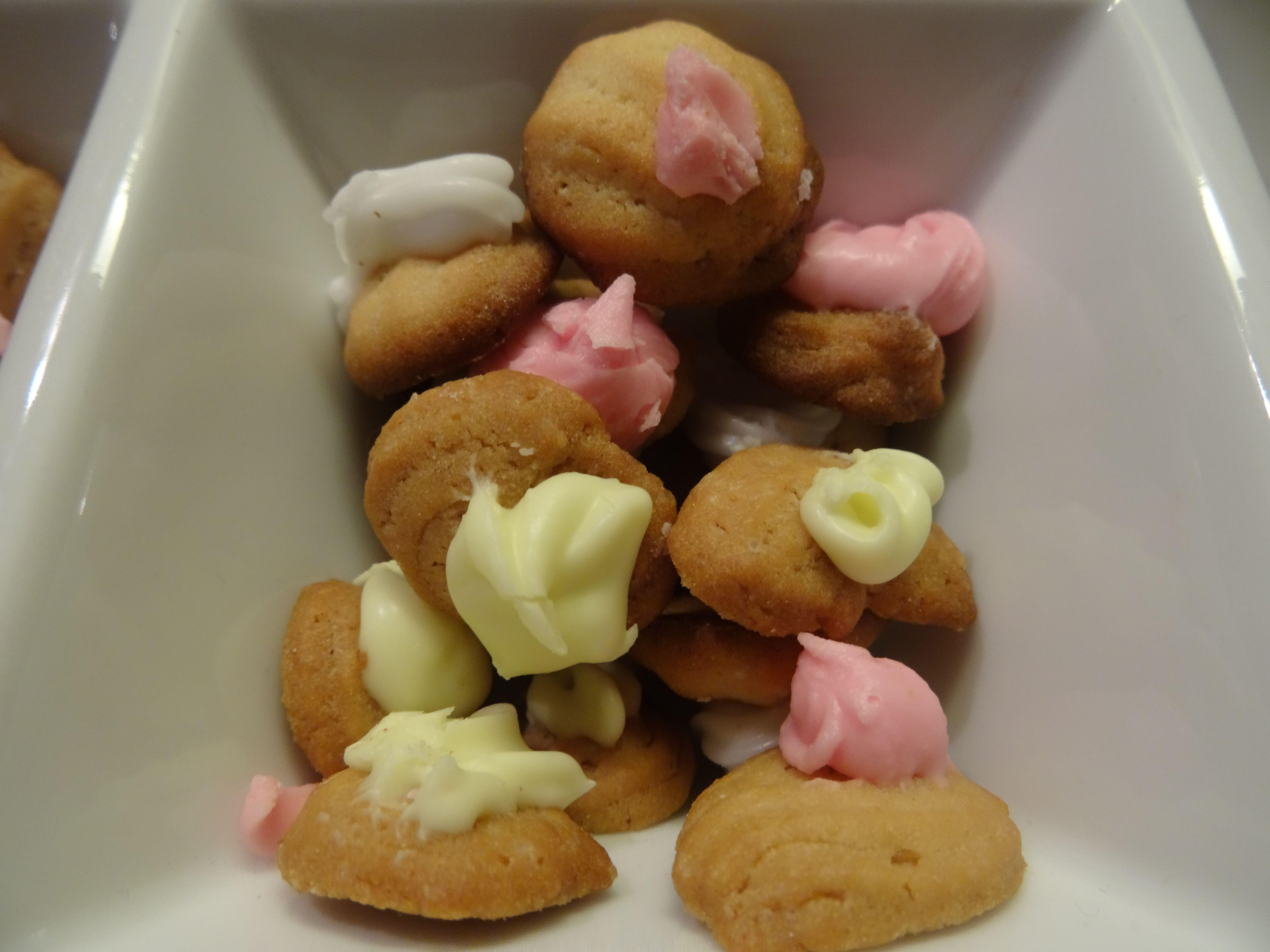 Des biscotins à ma façon ! La recette sur ma page cuisine : https://www.facebook.com/pages/Cuisine-exotique-974/471663309605591?ref=hl