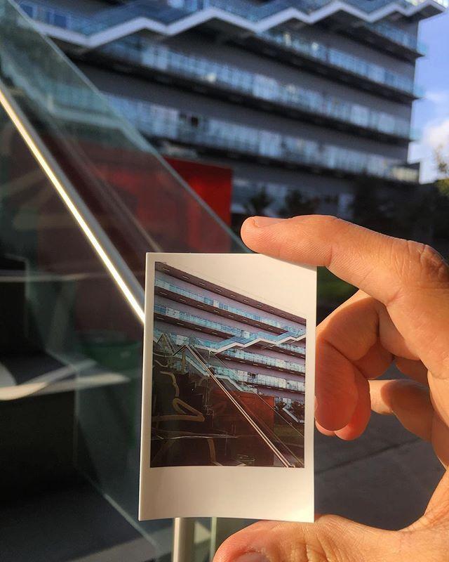 """""""Una de las cosas que más disfruto es este par de horas de mi vida en las que comparto experiencias. @centro_u . . . #marketingdigital #MarketingTrends #arquitectura  #CulturaDigital #socialmedia #centro #digital #clases #compartir #instamood #instapic #méxico #marketingdigital #igersmexico #mexigers #mextagram #mextagramers #instamoment  #instalike"""" by @floresdecoss. #socialmarketing #semplicity #bebold #beawesome #getcreative #inspired #webdesign #winterfun #facebook #smm #entrepreneur…"""