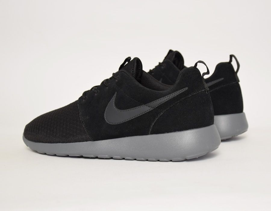 124da978ad023 Nike Roshe Run Winter Wmns Black  sneakers