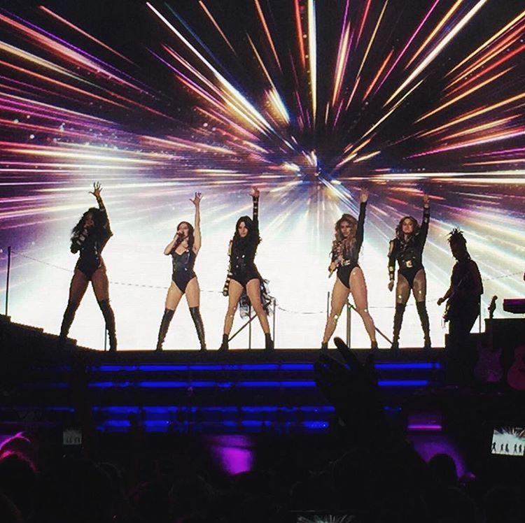"""5HonTour on Twitter: """"Fifth Harmony on stage (via sammyx618 on IG) #727TourBoston https://t.co/y8z8Tn5P9W"""""""