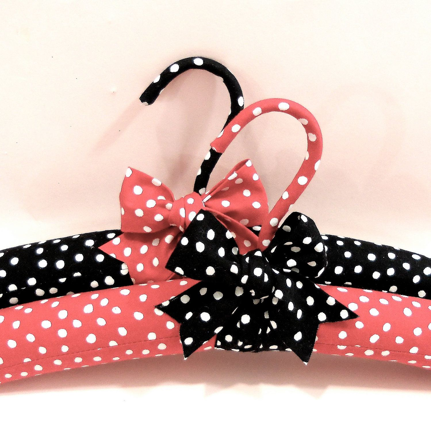 Padded hangers black red with white polka dots