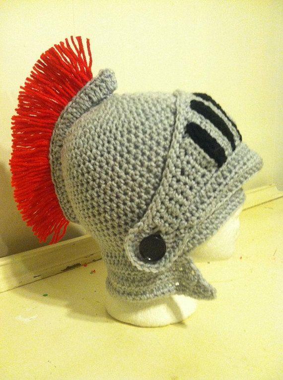Gorro armadura caballero medieval crochet hats knitting jpg 570x763  Armadura gorros de tejido d638fe04123