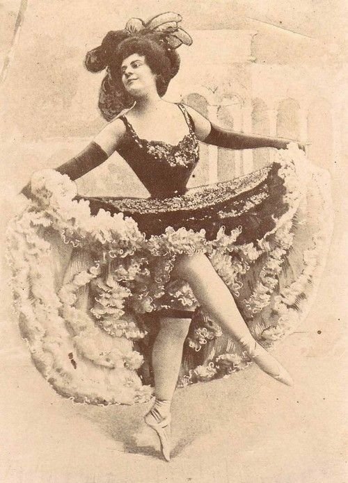 Can Can Dancer France 1900s With Images Moulin Rouge