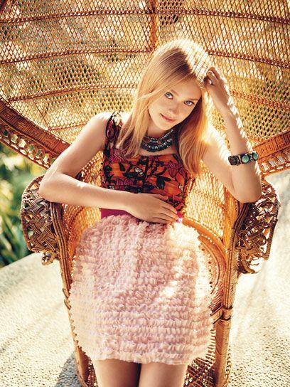 Dakota Fanning for teenvogue peacock chair - rattan - wicker - fauteuil Emmanuelle