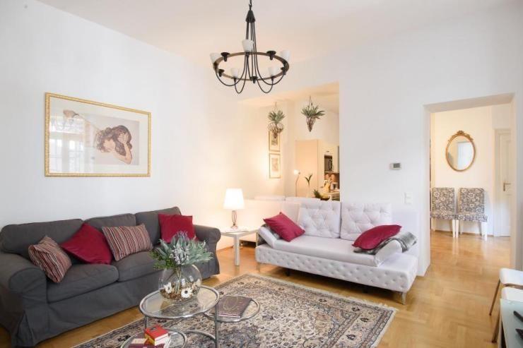 Geräumiges, modern und hell eingerichtetes Wohnzimmer Sehr schöner - wohnzimmer schwarz wei