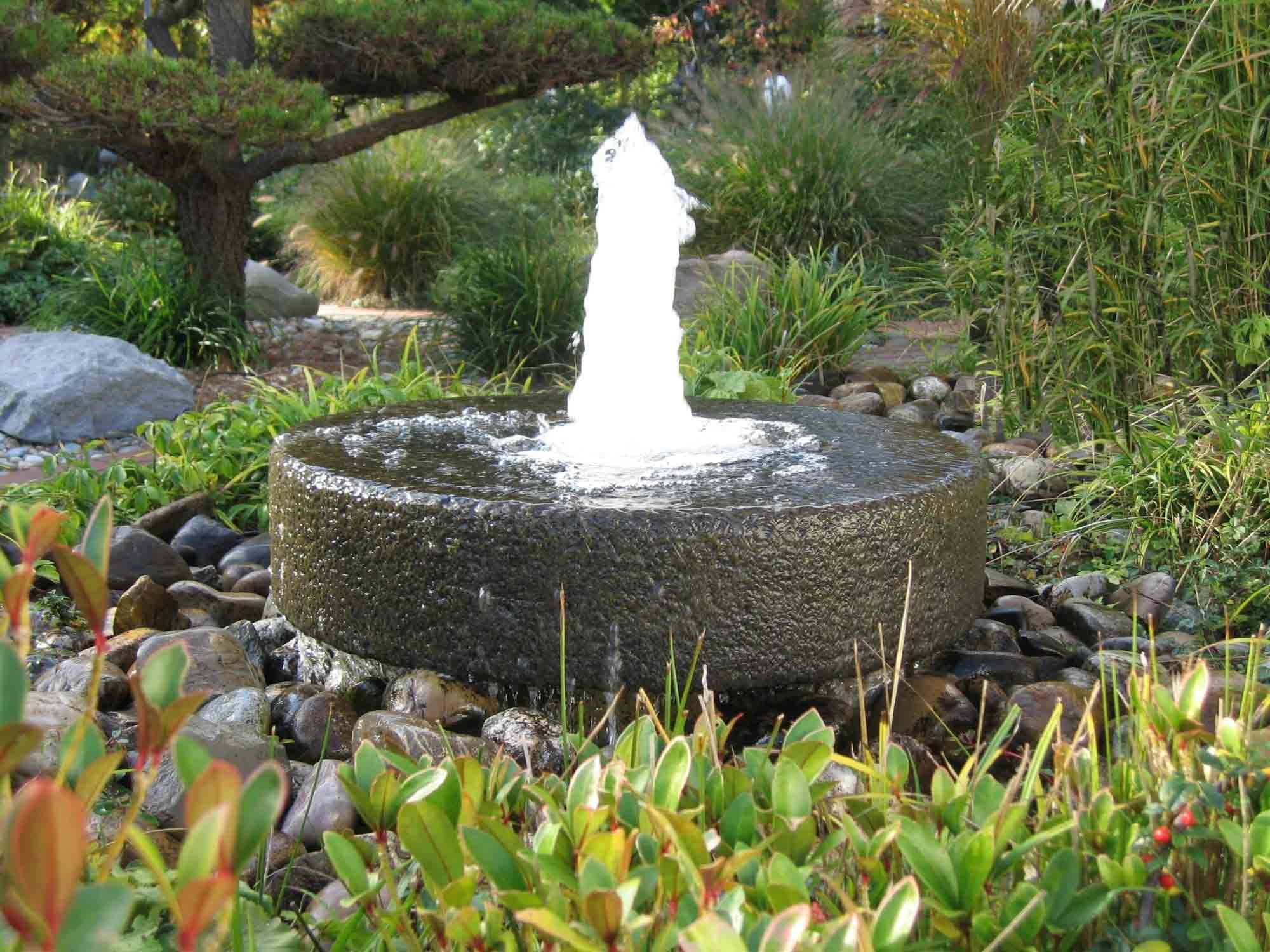 Incroyable Beautiful Round Stone Garden Water Fountains For Your Garden