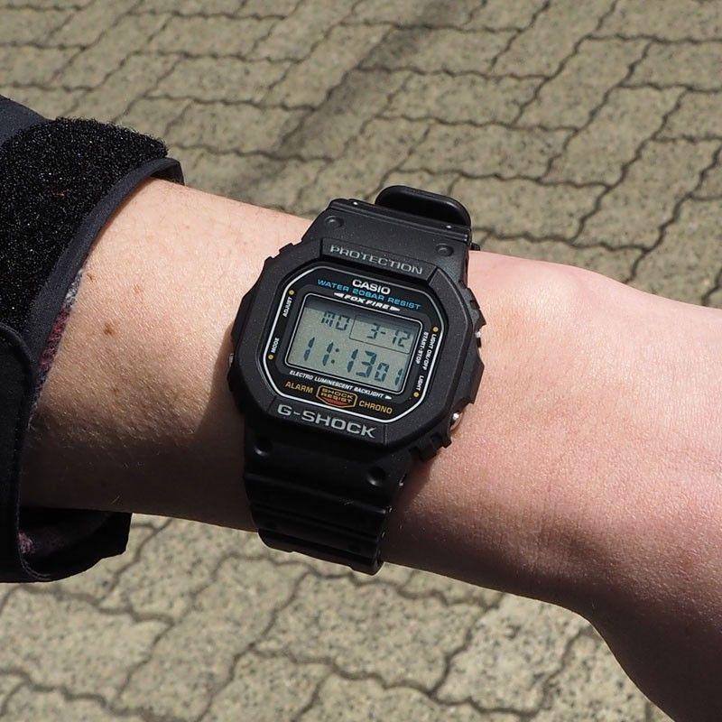Trên tay chiếc đồng hồ Casio G-Shock DW-5600E-1VDF