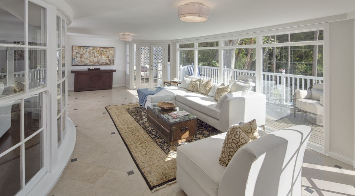 3222 Benda Place Hollywood Hills Homes Los Angeles Homes Home Look