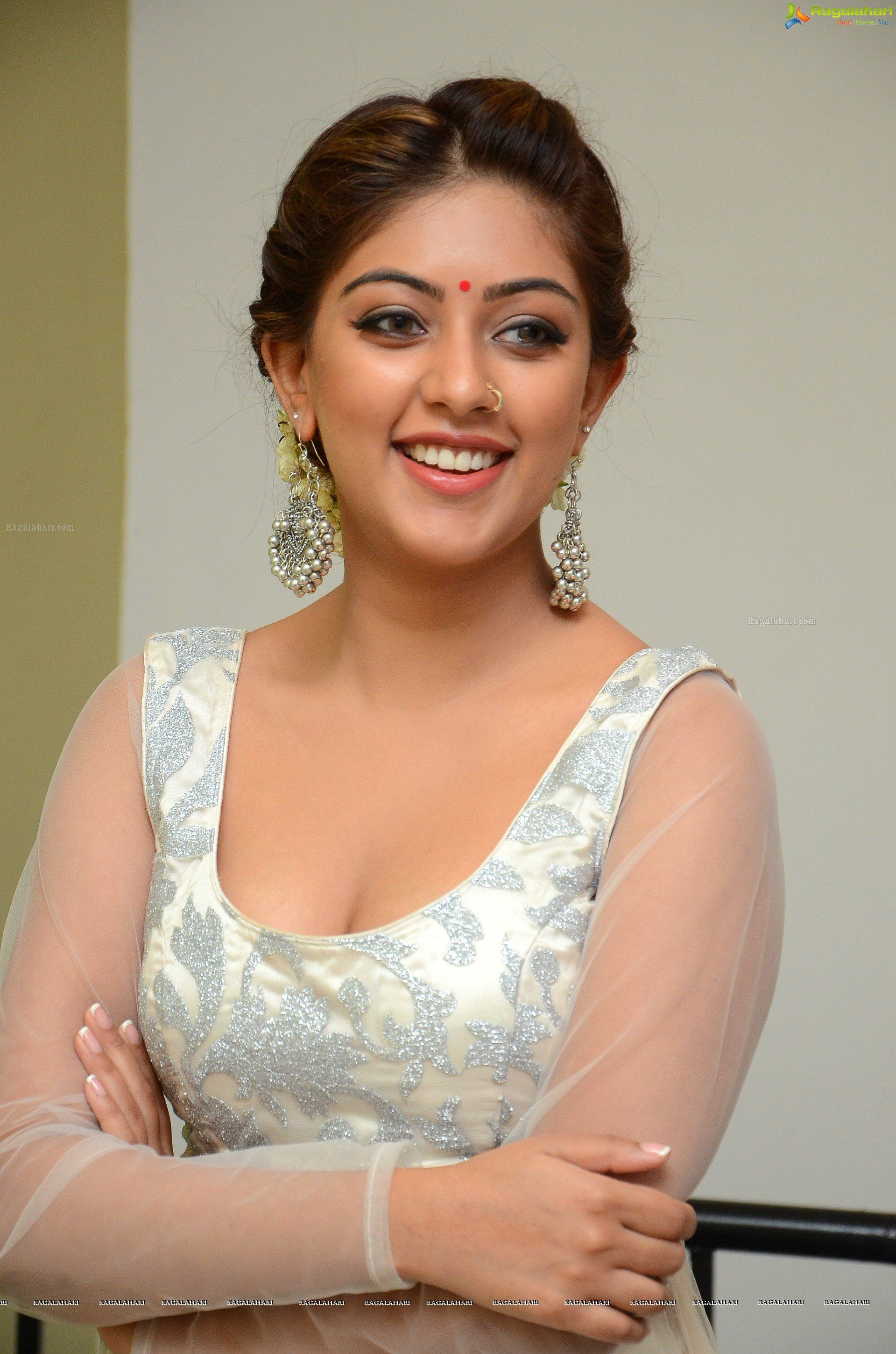 Anu Emmanuel Tollywood Gorgeous Beauty Latest Hot And Sexy Photos Collection In Video Format On Youtube This Hot And Sexy Images Collection Of Telugu