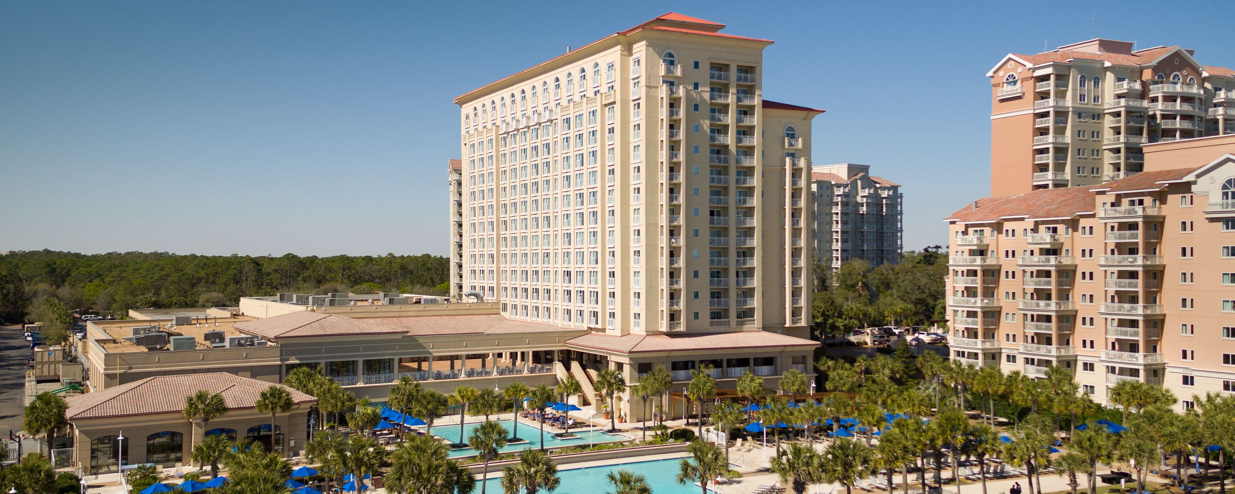 Discover An Oceanfront Luxury Sanctuary For Business Family And Leisure Travelers At Myrtl Myrtle Beach Hotels Myrtle Beach Resorts North Myrtle Beach Hotels