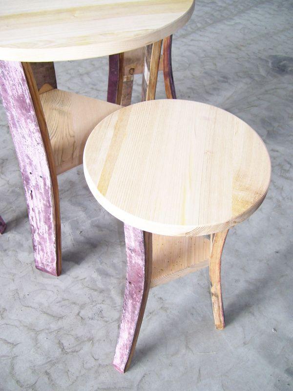 1312 - #Tavoli e #sgabelli treppiede, da primo prezzo, ricavati da doghe in rovere di #barrique. Briganti srl - 0547 310171