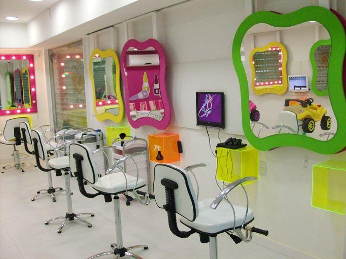 Dicas De Moveis Para Salao De Beleza Infantil Jpg 700 525 Kids Hair Salon Kids Salon Kids Haircut Places