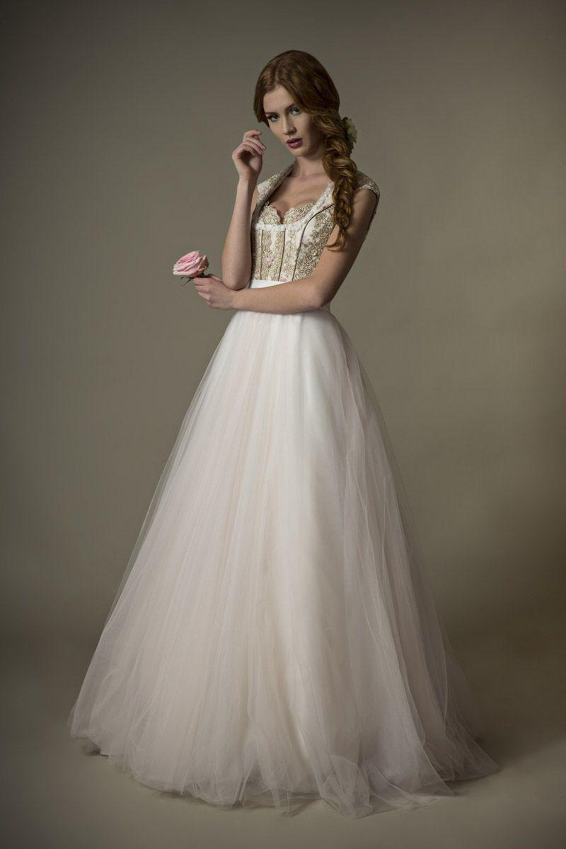 """Unser Modell """"Chloé"""",Zauberhaftes langes Brautdirndl Kleid aus der"""