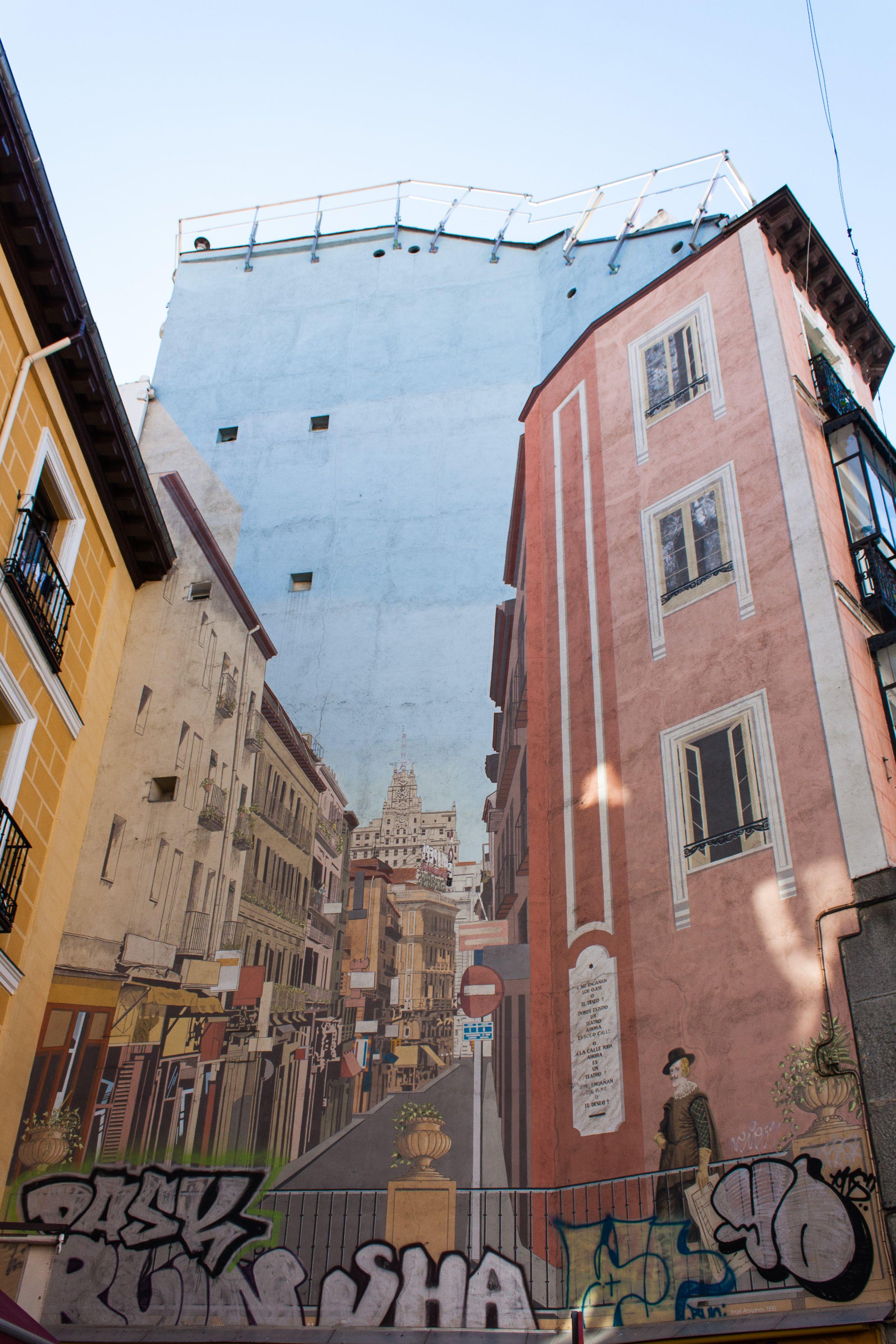 Trampantojo En Calle De La Cruz Madrid Madre Fotos Calle