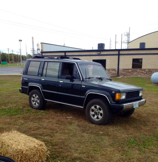1990 Classic Black Isuzu Trooper Ls Looks Drives Great Very Rare For Sale Photos Technical Specifications Desc Trooper Classic Black Bug Out Vehicle