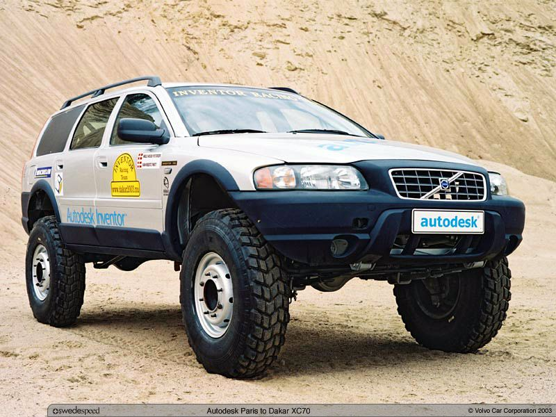 Volvo XC70 on portal axles. Quite the build the amount of head scratching and engineering that it took to make this work is crazy But cool !!