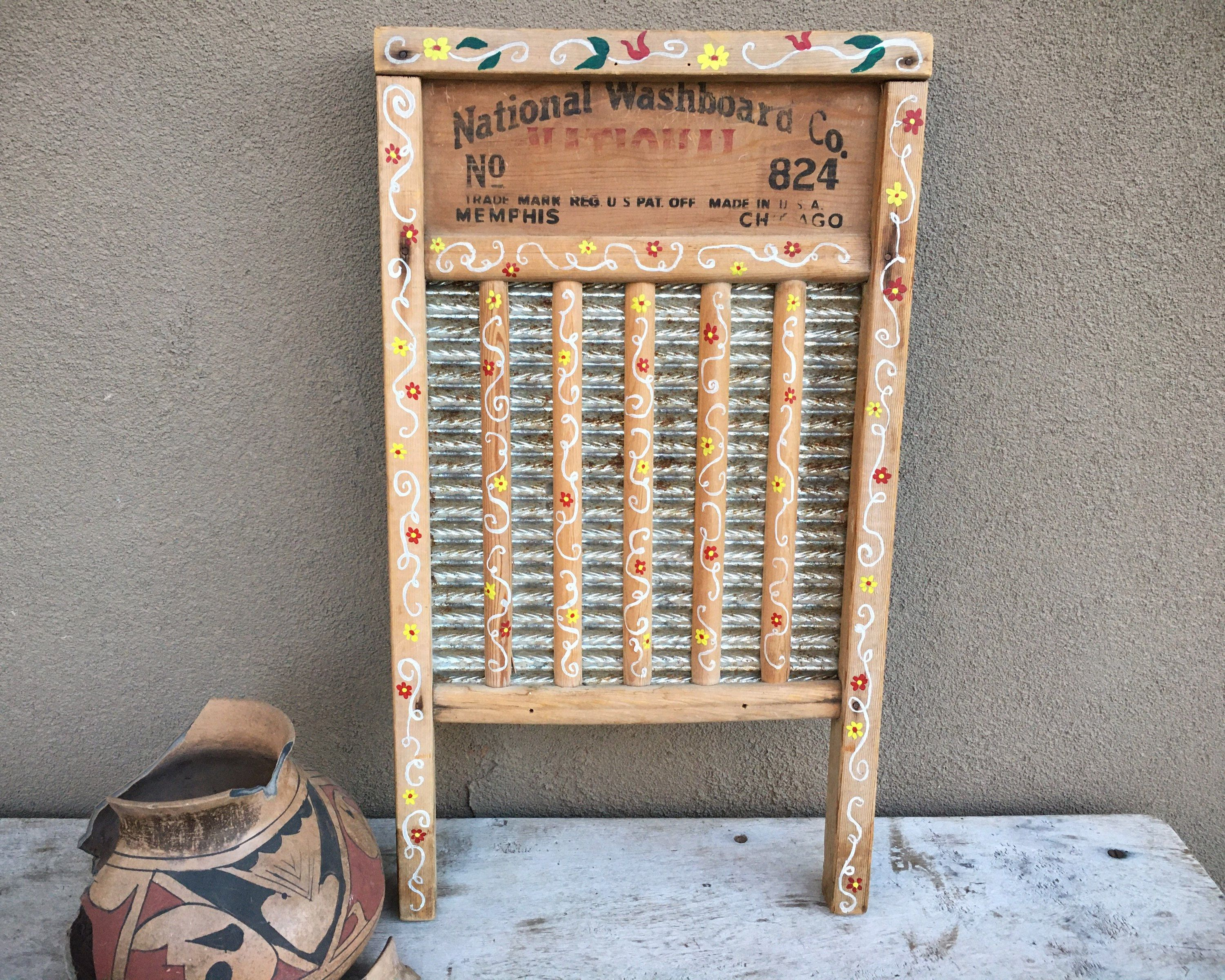 Vintage Repurposed Washboard Wall Hanging With Folk Art Painted Designs Primitive Farmhouse Decor In 2020 Farm Decor Ranch Decor Vintage Repurposed
