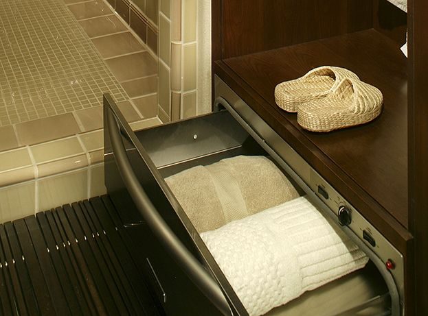 10 affordable ideas that will turn your small bathroom for Small bathroom natural