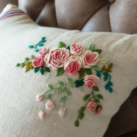 Proste Rzemioslo Haft Brazylijski I Inne Popularn Wp Poczta Embroidery Flowers Pattern Brazilian Embroidery Ribbon Embroidery Kit