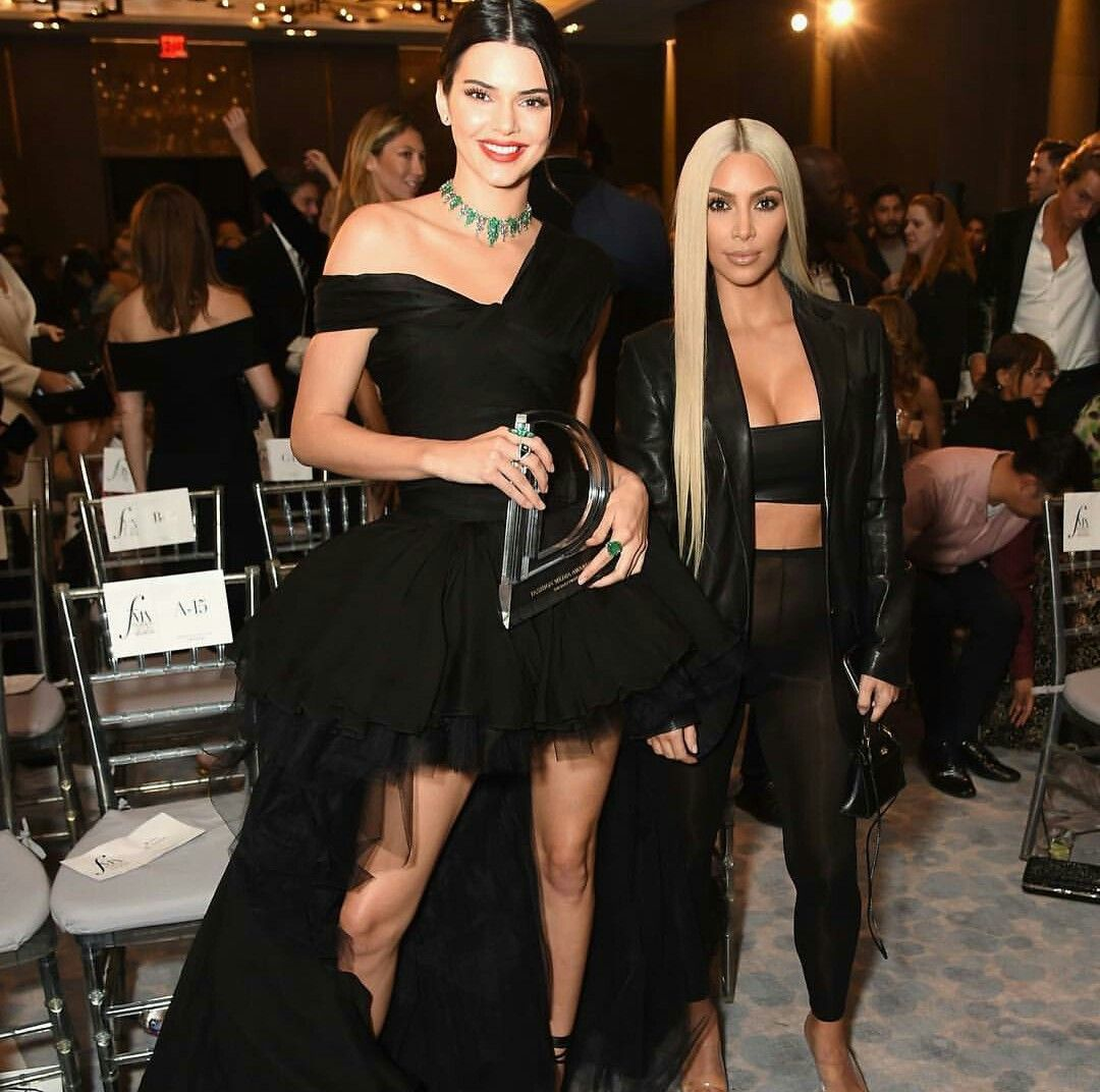 kendall black personals Blake griffin and kendall jenner have been dating since summer 2017  jenner wore a black sweatshirt with black leggings and white sneakers, while griffin opted for a black hoodie, black pants .